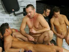 Bisexual groupsex with four studs and a hot girl